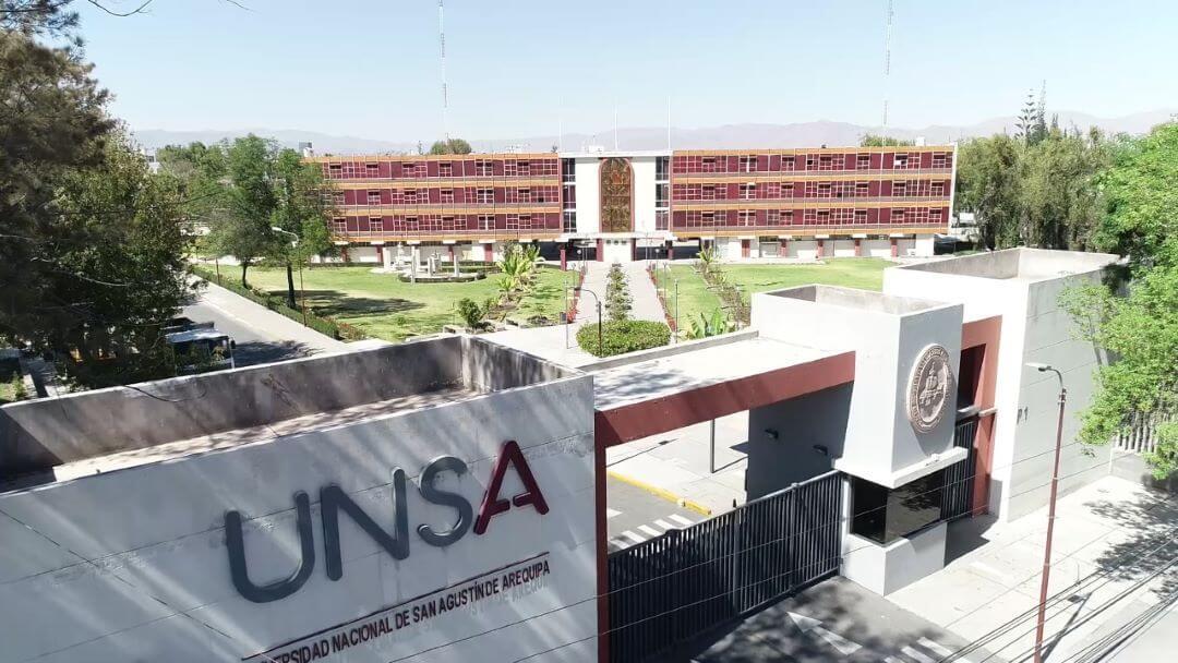 """Investigadores UNSA presentan proyecto de """"Caracterización fisicoquímica y microbiológica de los efluentes de las plantas de tratamiento de agua residual de la región de Arequipa."""""""