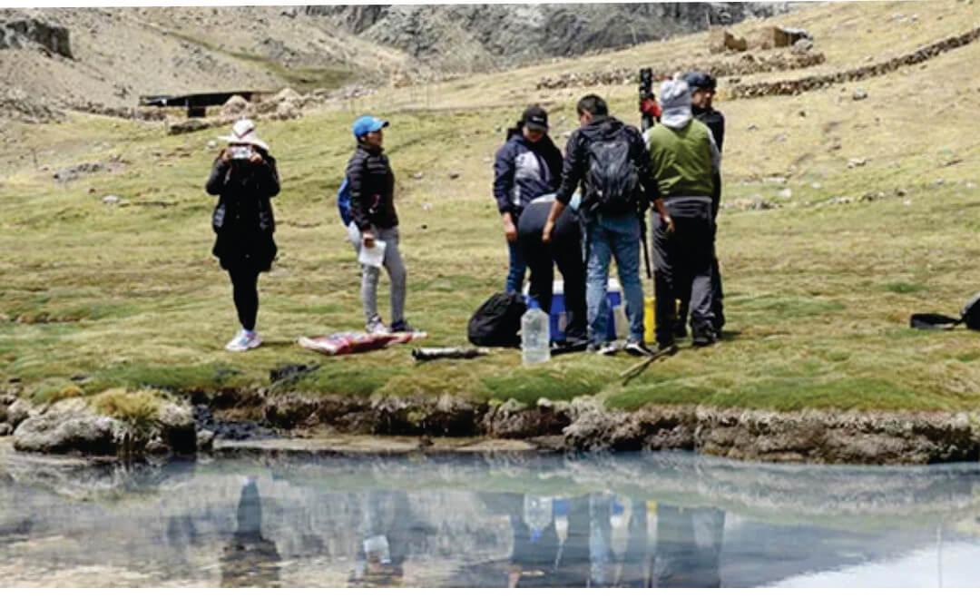 Investigadores UPCH buscan cuantificar la capacidad de acumulación de carbono en humedales peruanos